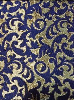 Mavi Renk Jakarlı Brokar Kumaş Ne Demek? Nasıl Olur?
