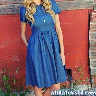 Koyu Mavi / Lacivert Kadın Elbisesi - Sarışın Kadın Şamre Tunik Elbise Giyiyor